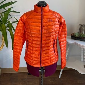 Mountain hardware duck down jacket
